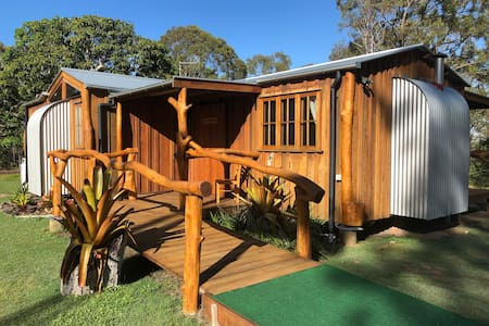 Mango Lodge - Fraser Island & Hervey Bay Getaway
