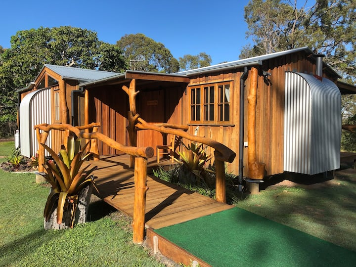Romantic Cabin near Hervey Bay