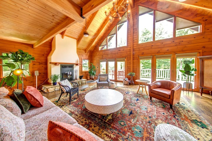 Grand Mountain House of the Catskills