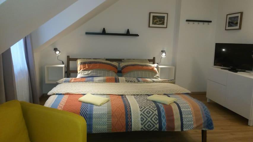 Ubytování QUEST Loket - Loket - Bed & Breakfast