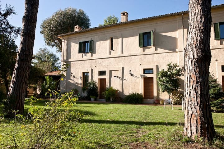 Charming room in Rome's countryside - Velletri