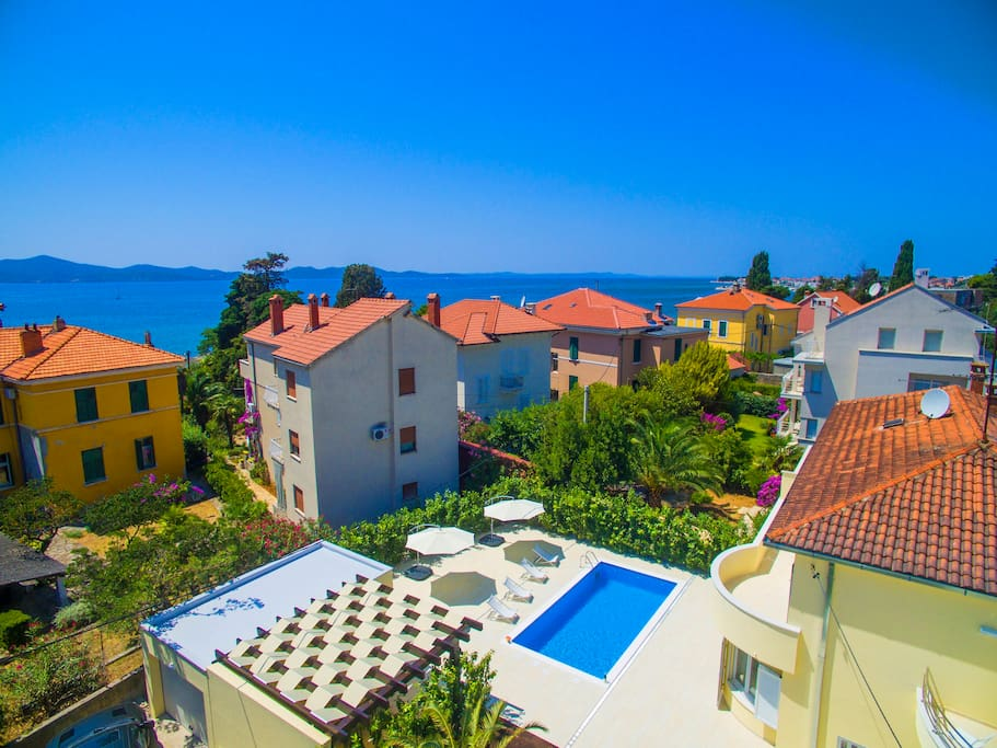 villa mia 2 with sea and pool view h user zur miete in. Black Bedroom Furniture Sets. Home Design Ideas