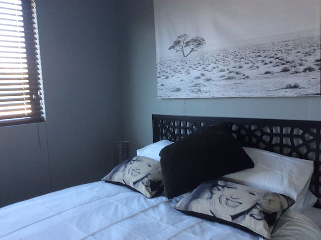 Windhoek one bedroom luxury self ca - Windhoek - Pis
