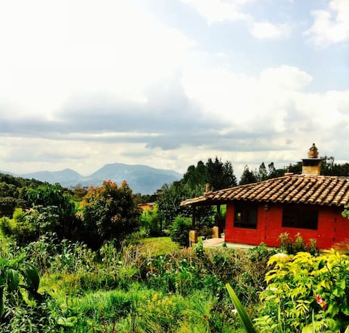 Flower Paradise - Santa Elena - บ้าน