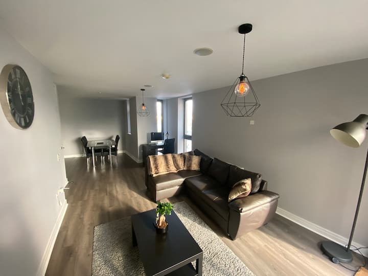 Luxurious Modern 2 Bed Apt in Titanic Quarter