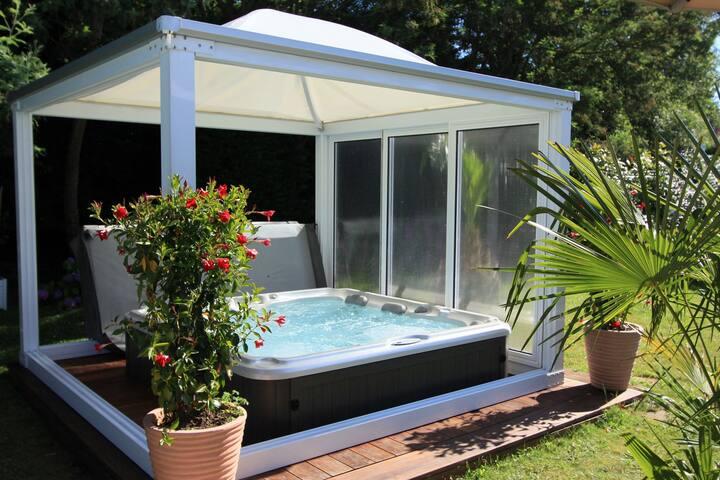 appt T2 de charme avec spa et sauna à Biarritz