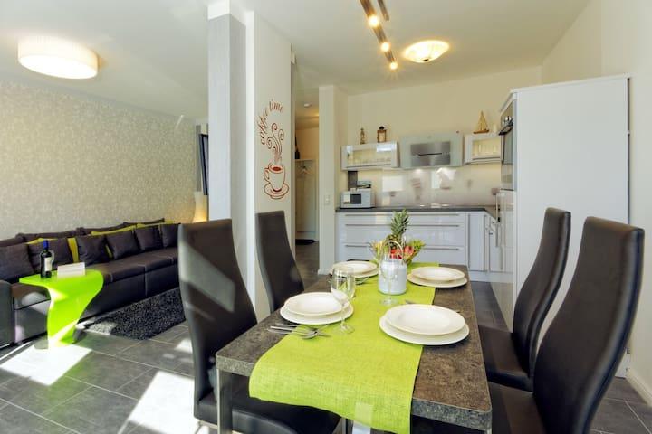 5 Sterne Ferienwohnung Karlshagen - Karlshagen - Apartment
