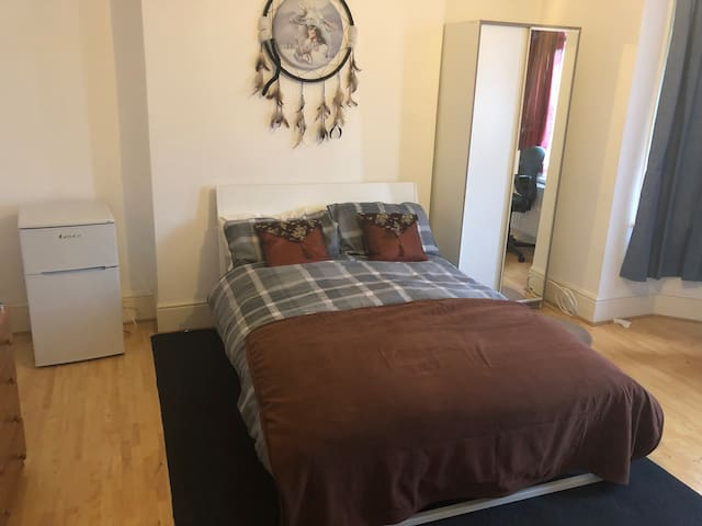 spacious room with wardrobe a