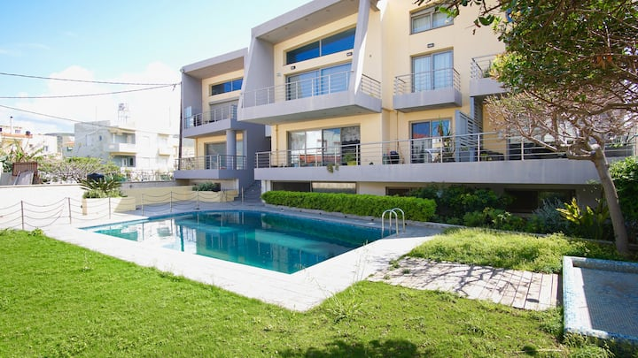 Villa Mimar on the beachfront with swimming pool