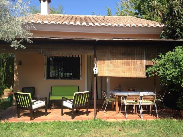Casa rural con jardín y piscina. - Alfauir - Alpstuga