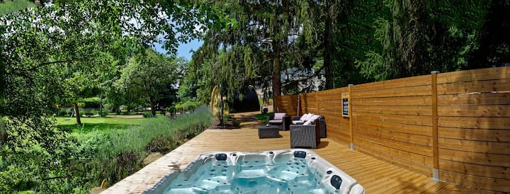 Charming property with sauna and jacuzzi / 22 pers