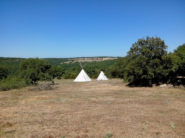 Teepee in the nature - Salvagnac-Cajarc