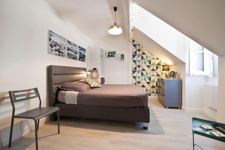 BEAU STUDIO PLEIN CENTRE HISTORIQUE - Brive-la-Gaillarde - Apartament