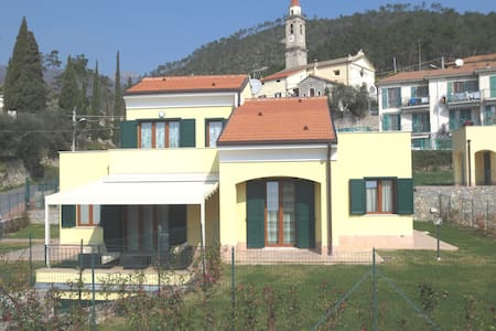 Loano Villa 8-10 bed 4 km to the sea - Loano