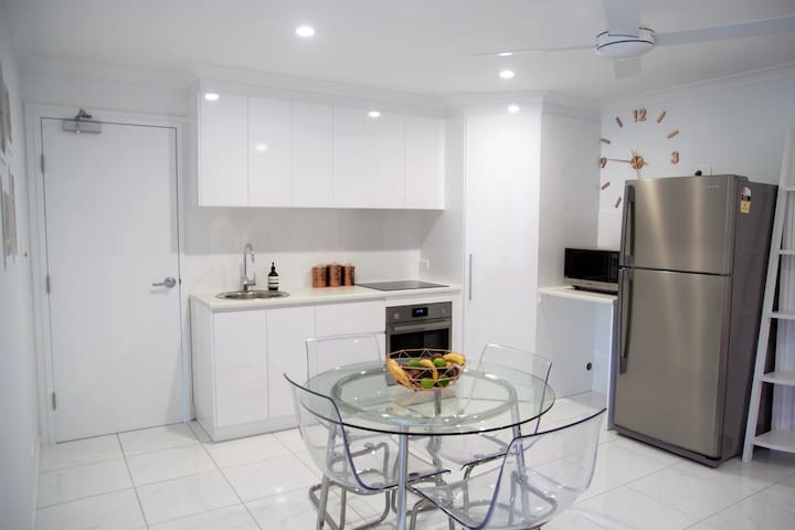 Sunshine Coast Peaceful Modern Escape - Nambour - Hospedaria
