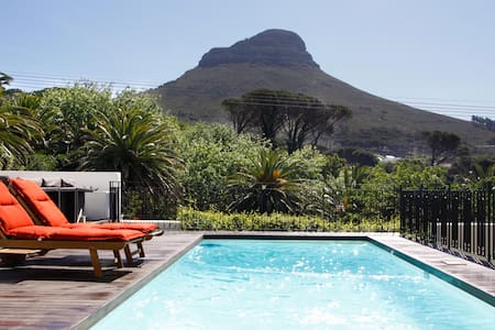 Sunny and Central Garden Cottage - Kaapstad - Huis