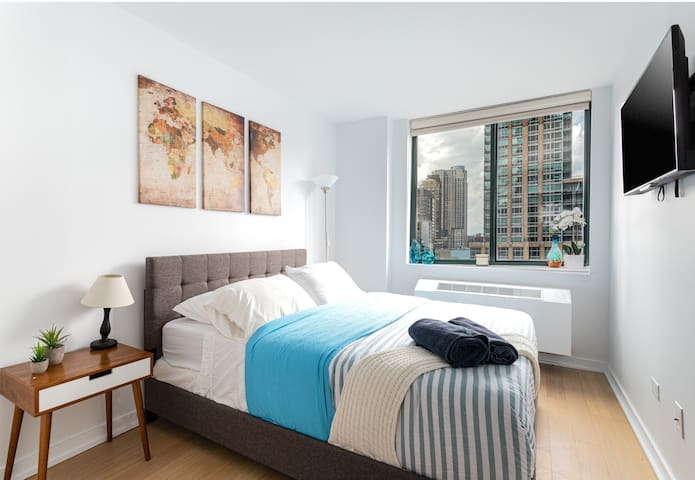 Bright Room with Views near Central Park