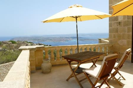 Luxury suite over Comino - Il-Qala - Villa