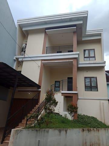 Khen Guest House