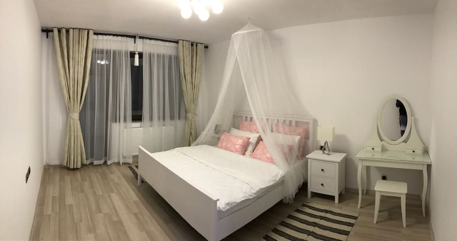 Isaran - Spacious 1 BD - Brașov - Appartement