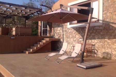 Villa moderna con  idromassaggio - Cefalu'