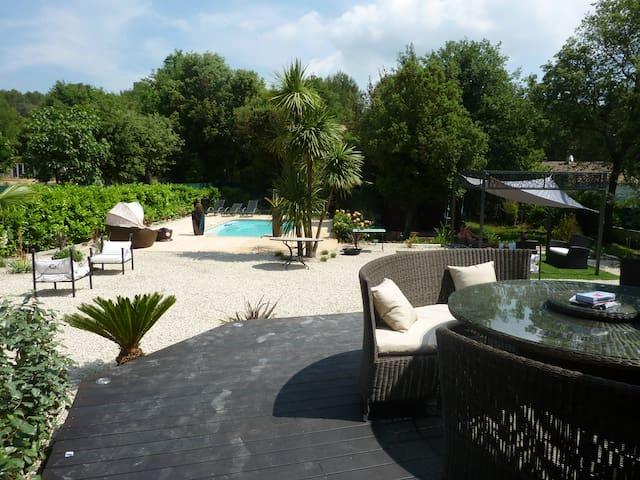 Villa avec piscine privé proche mer - Valbonne - Dům