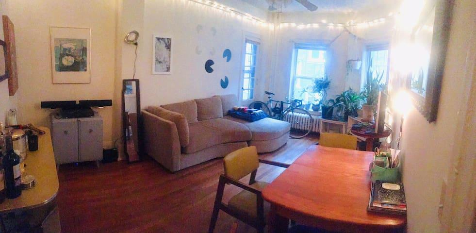 Cute 1 bedroom with balcony