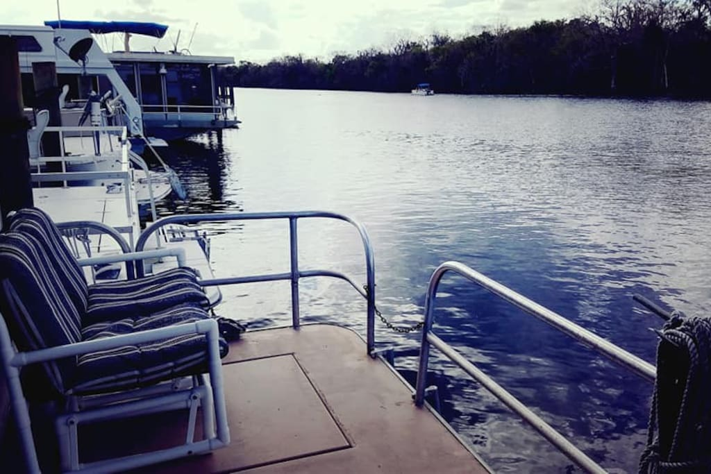 Lounge on the aft deck and take in the fantastic view of the St. Johns River.