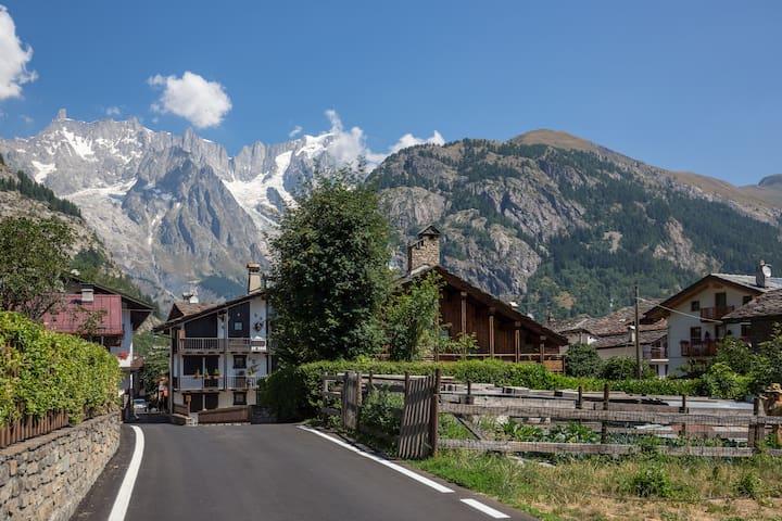 Courmayeur Mont Blanc stanza