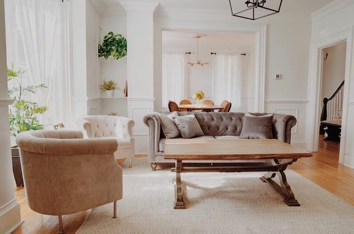 Elegant Victorian Home Niagara