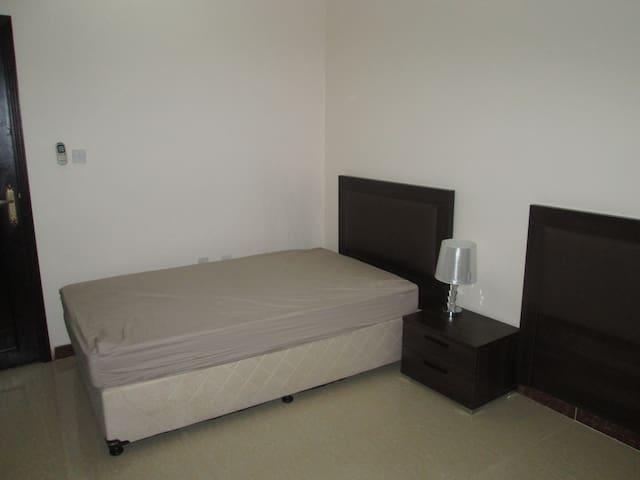 Room own ensuite - Doha - Leilighet