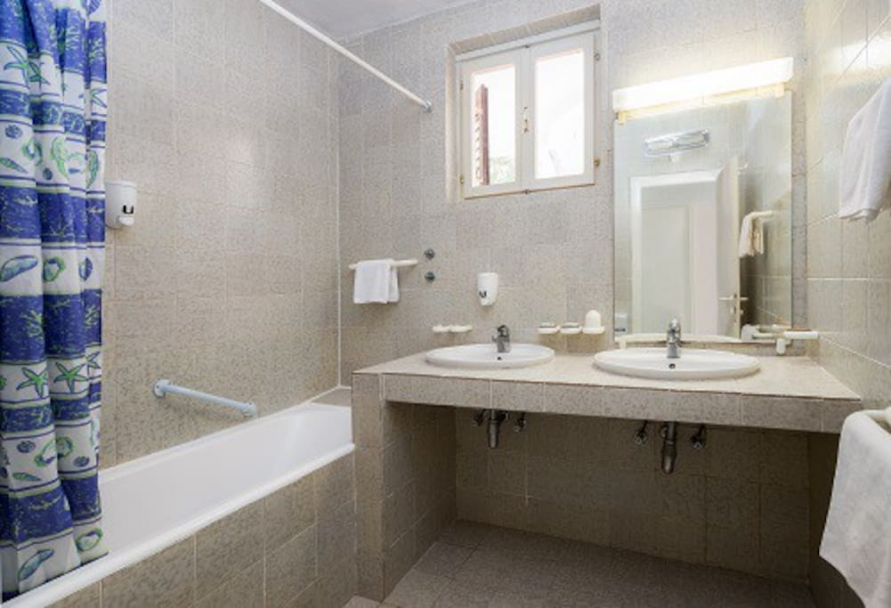 Comfort One bedroom apartment - bathroom