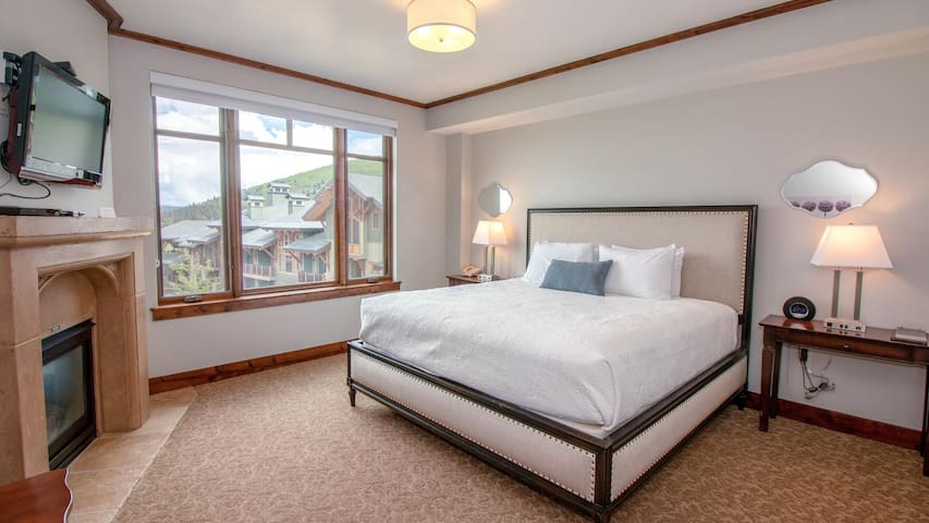 Slope-side Suite with Fantastic Amenities