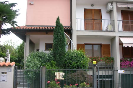 villa signorile a 10 min. da Milano - Robbiano - Haus