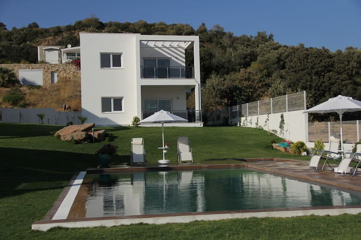 Bodrum  2 bedrooms and 2 bathrooms - Gümüşlük - Lägenhet