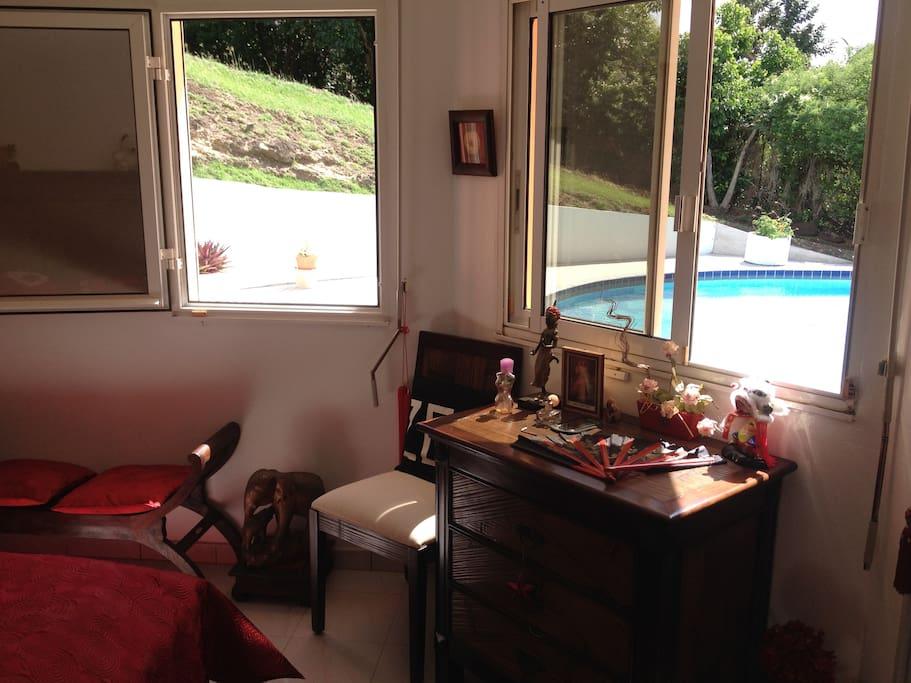La chambre Zen avec vue sur piscine