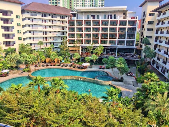 Large 2 bedrooms apartment Wongamat Privecy