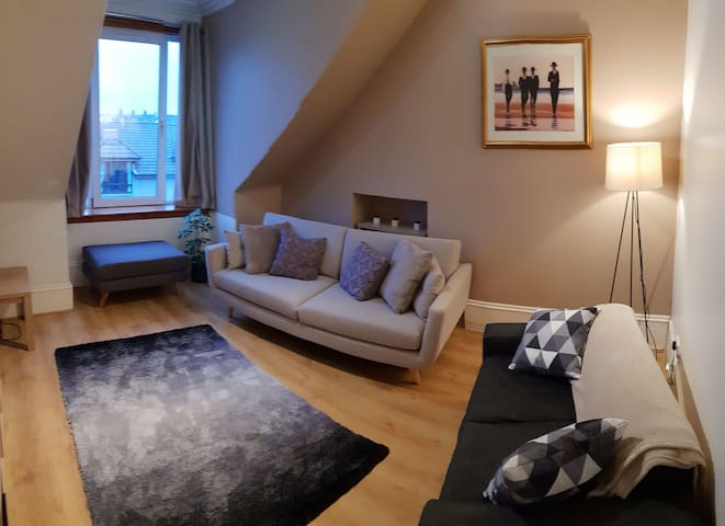 Bright&Spacious Apartment in City Centre (Westend)