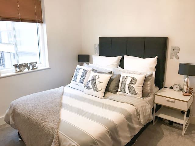 Stylish 1 Bedroom apartment- Cardiff Bay - Cardiff - Appartement