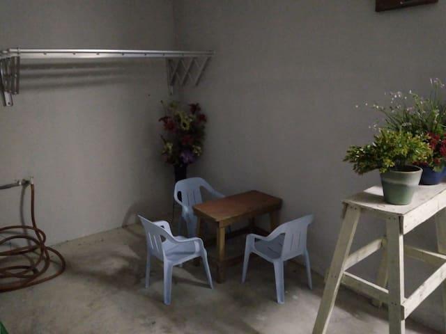 Bonda Guesthouse 1, Paka