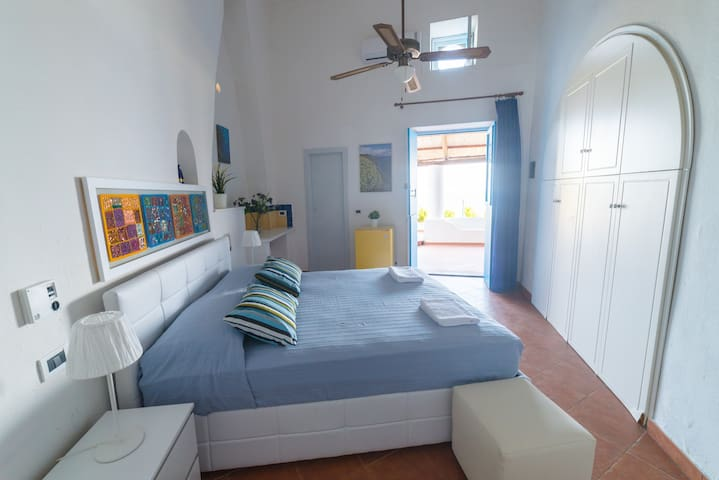 "Sea view ""Ponente"" apartment with garden - Malfa - Apartment"