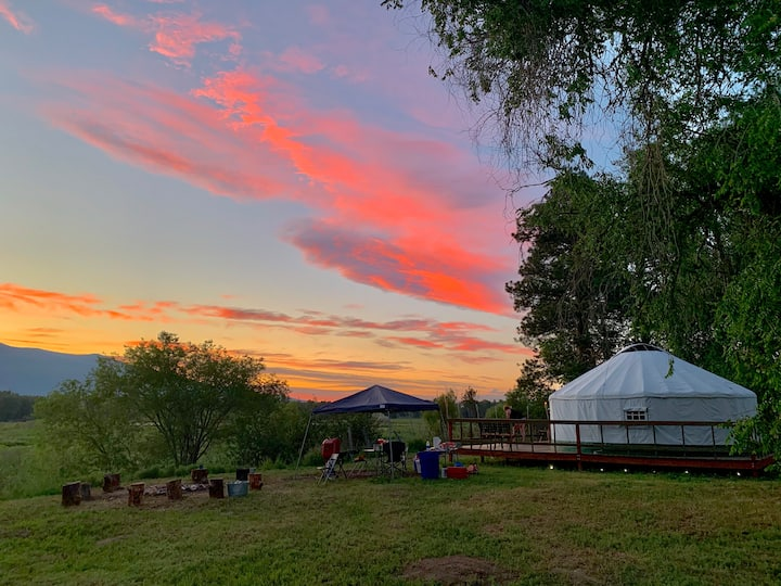 Lewis & Clark Glamping Yurt - Lee Metcalf Wildlife