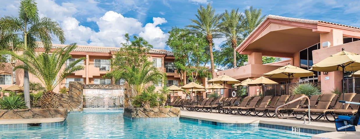 Scottsdale Villa Mirage- studio book now