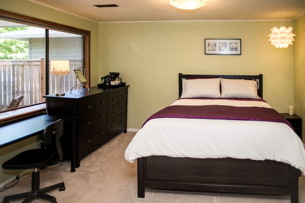 """Room 1 - 214 sq.ft. (20 sq. m) bedroom with comfortable queen bed, desk and dresser. """"Clean, comfortable, quiet with a relaxing view of lovely gardens."""" Tracy, Aug 2016  """"The bed is large and VERY comfortable"""" - Kat, March 2016"""