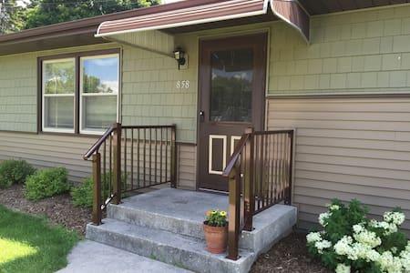 Newly remodeled home/new furnishing - Sheboygan Falls