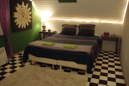 ruime kamer in landelijke woning - Lain-lain
