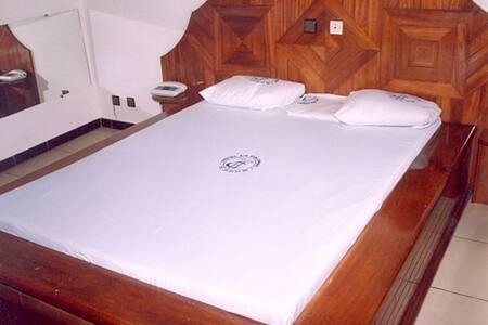 20 Hotel rooms - Apartemen