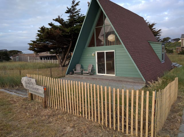 Bandon Beach Shack  - modern cozy a-frame