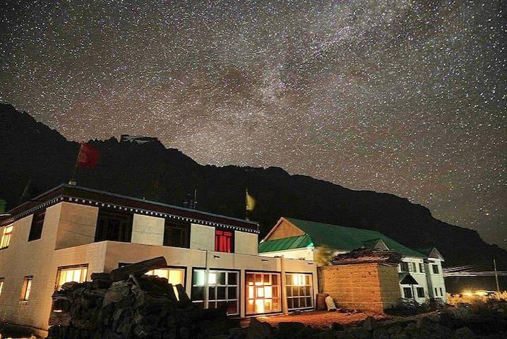 The Nomad's Cottage - Losar - Casa
