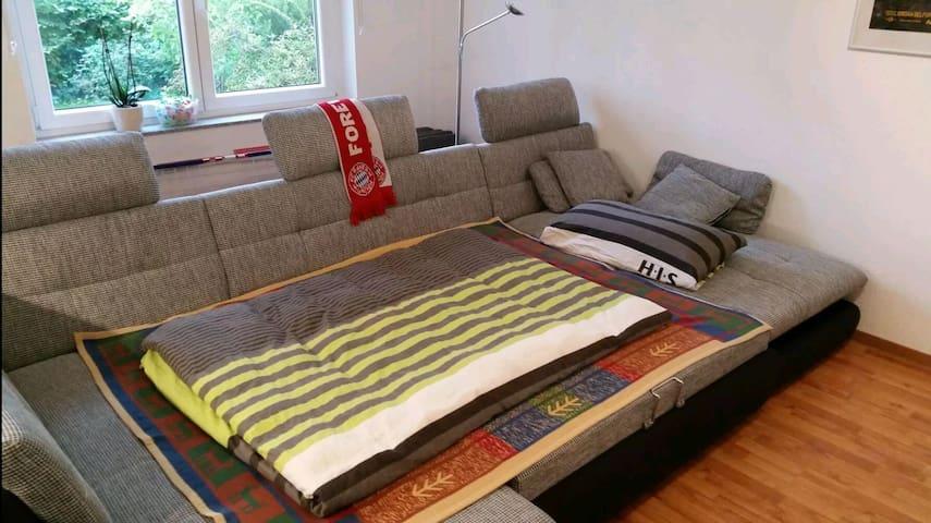 Gemütliche Couch nahe Bahnhof - Bietigheim-Bissingen - Leilighet